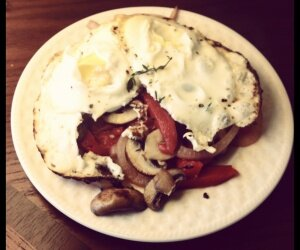 Eggs with Saute of Baby Portobellos, Roasted Bell Pepper & Red O